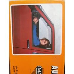 Opel Corsa. Deriva parabrisas ventanas