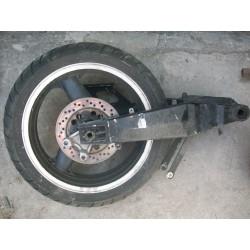 Kawasaki ZXR. Basculante y rueda trasera